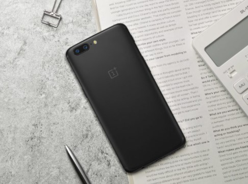 OnePlus 5T Image