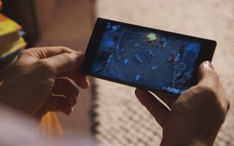 Razer Phone Hands on Review with Playing Games